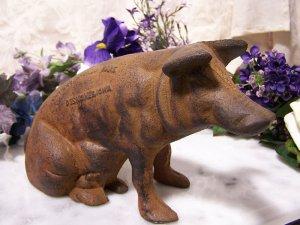 """Cast Iron Pig Bank """"Carter's Smoked Hams"""""""