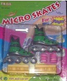 Finger Skates Inline Rollerblades Green- NIP