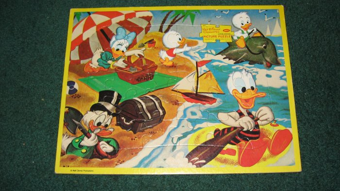 Walt Disney Collectable Character Board Puzzle On a Picnic