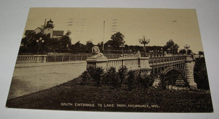 Lake Park,Milwaukee,Wis. black and white postcard W14