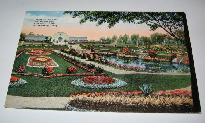 Mitchell Park,Milwaukee,Wis. postcard W15