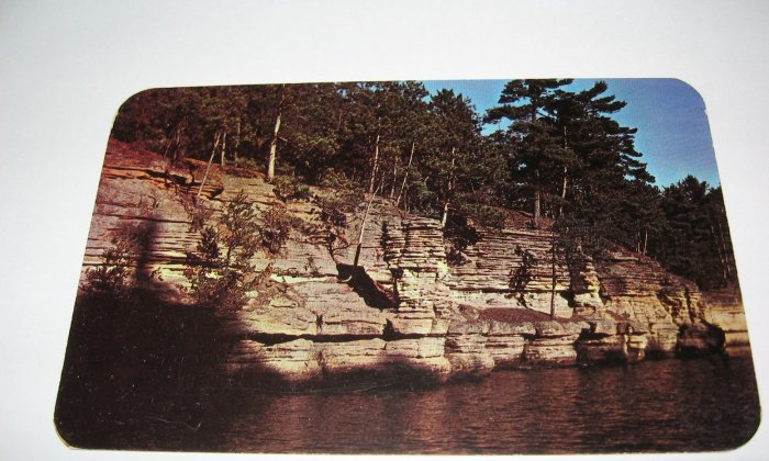 Chimney Rock Wisconsin Dells,Wis. Postcard W39
