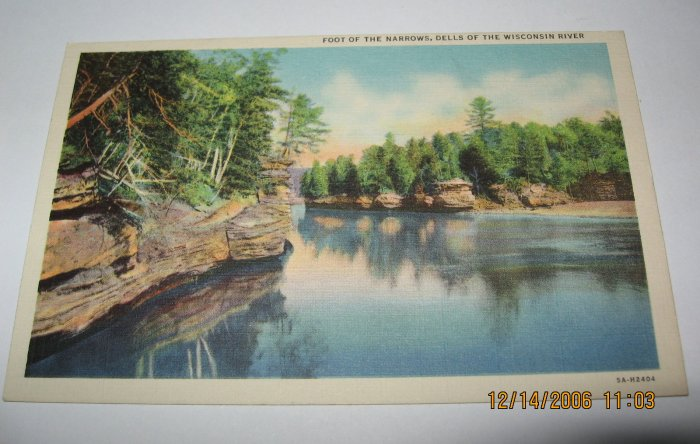 Foot of the Narrows Wisconsin Dells,Wi. postcard W45