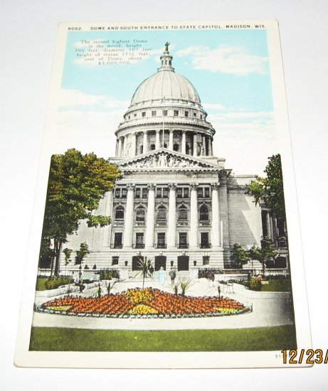 Dome and south entrance to State Capitol,Madison,Wis postcard W52