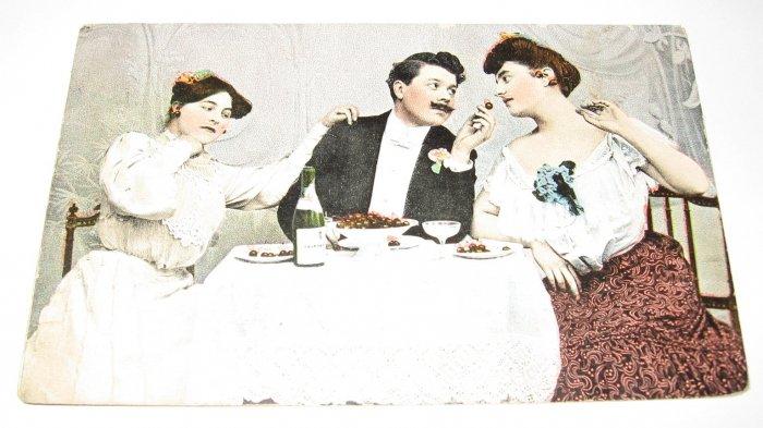 Ladies and man dining vintage romance postcard R15