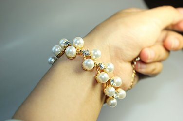 PEARL BRACELETS 18K GP Simulated pearl crystal Chain Bracelet