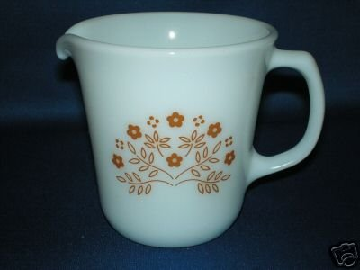 SMALL PYREX SINGLE CREAMER PITCHER AS SHOWN
