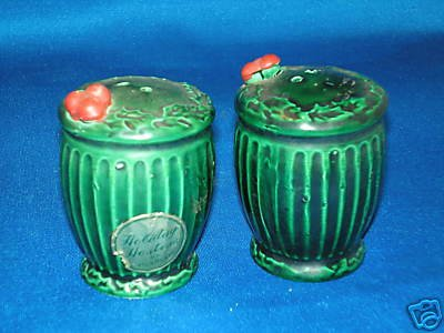 OLD CHRISTMAS HOLIDAY HOSTESS SALT PEPPER SHAKERS SET