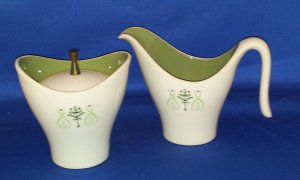 RETRO GREEN FLORAL CREAMER AND SUGAR BOWL AS SHOWN