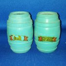 VINTAGE SALT AND PEPPER SHAKERS SET BLUE WOODEN BARRELS MYRTLE BEACH