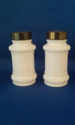 VINTAGE SALT AND PEPPER SHAKERS SET WHITE MILK GLASS TABLEWARE