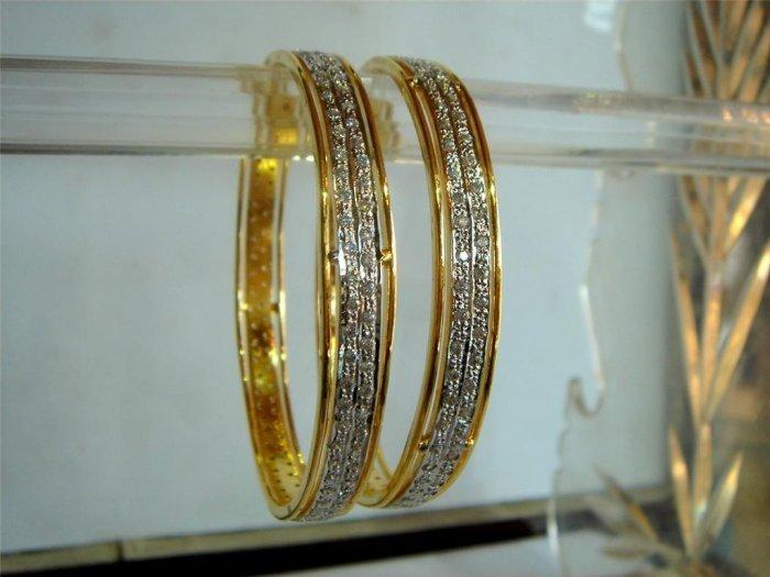 traditional indian mangalsutra pendant earing jewelery set