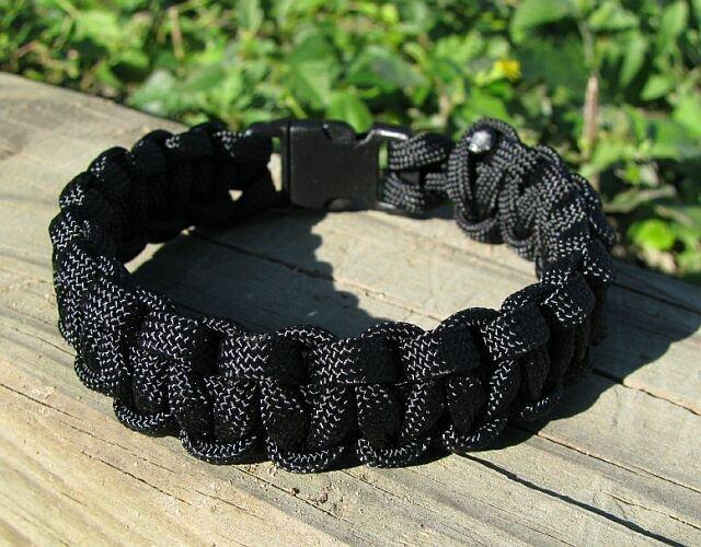 7 Inch Black Paracord Bracelet
