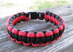8 Inch Black & Red Paracord Bracelet