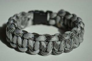 9 Inch Gray Camo Paracord Bracelet