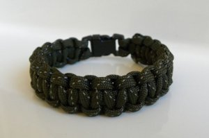 9 Inch Olive Drab Reflective Paracord Bracelet