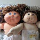 2 Cabbage Patch type dolls Set D