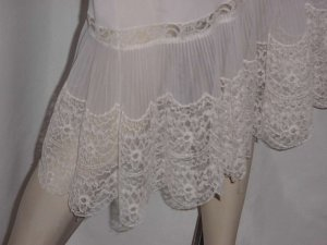Pleated hem pleated cups vintage Aristocraft by Superior full slip lace Bust 32 No. 124