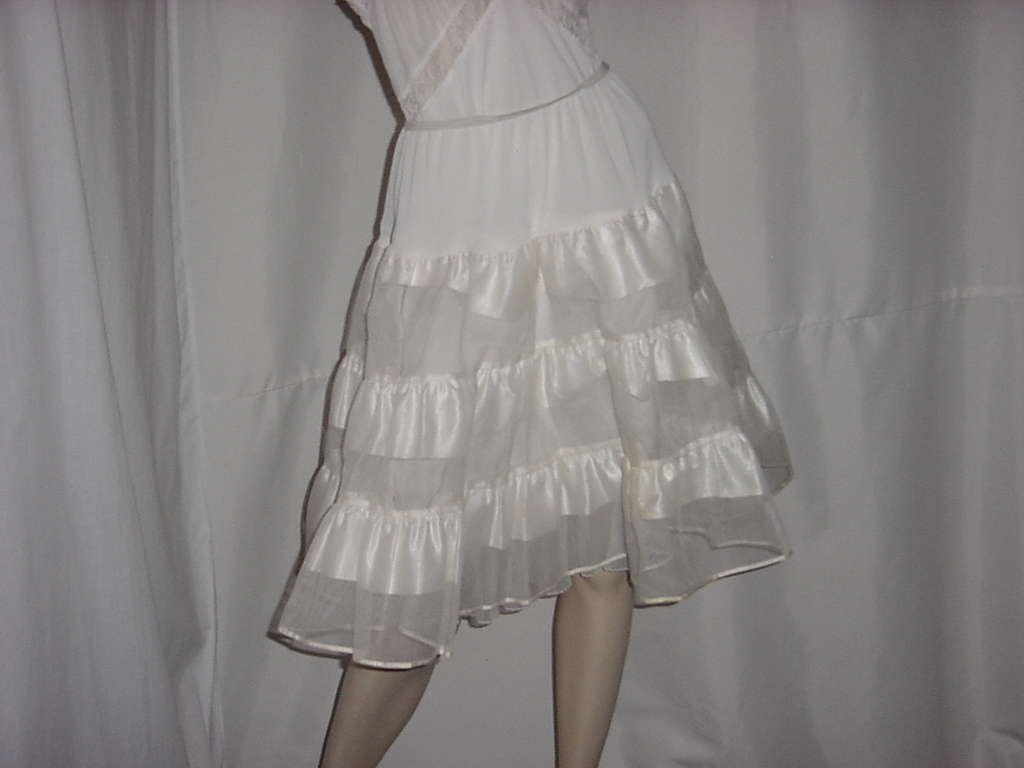 Movie Star can can crinoline half slip Off white vintage slip nylon horsehair  No. 138