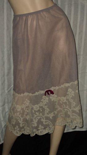 Vintage Vanity Fair Half slip muted lavender size 5 Half Slip Lace Hem S L A