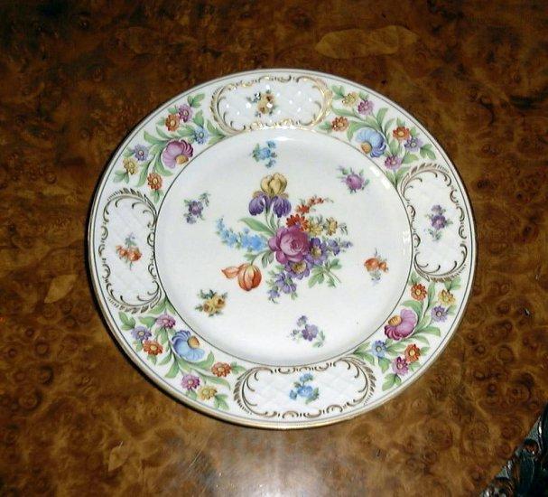 DRESDEN FLOWERS DINNER PLATE, SCHUMANN BAVARIA