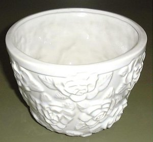 GLAZED  ROSE CACHE POT, PRETTY SHAPE, FLOWER POT