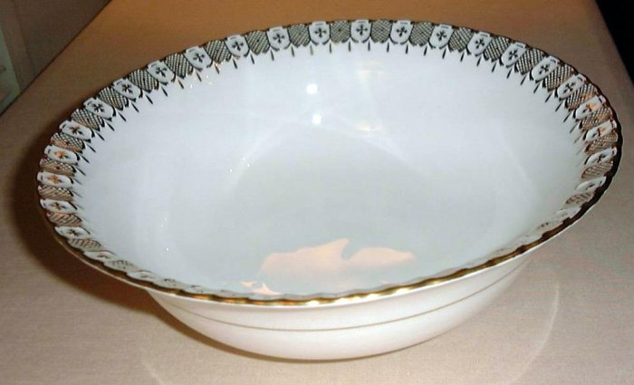 HERALDIC Royal Crown Derby China Open Vegetable Serving Bowl