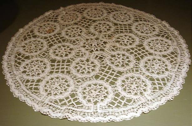 Early 20th Century Cluny Lace Centerpiece for Collector