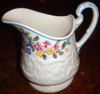 Vintage MORNING GLORY Wedgwood Patrician Pottery Creamer
