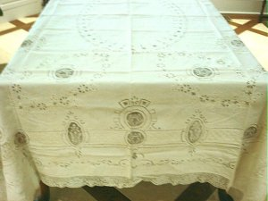 Elaborate Vintage HANDMADE Linen & Filet Lace Tablecloth, as found, Cloth #84