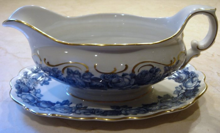 Schumann Bavaria HEIRLOOM Gravy Boat Attached Underplate Blue & White Transferware