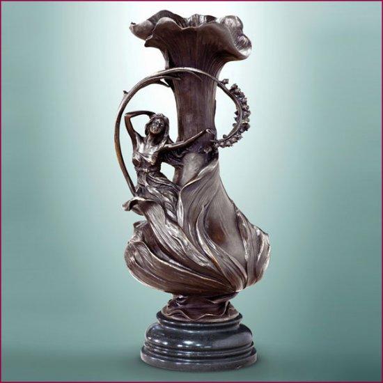 Art Nouveau bronze vase www.1900style.es