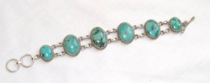 TQ058       Turquoise Bracelets