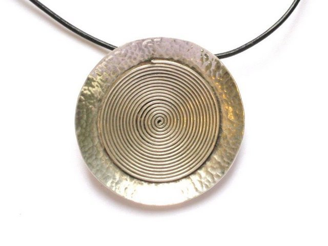 AQ001       Spiral Pendant in Sterling Silver