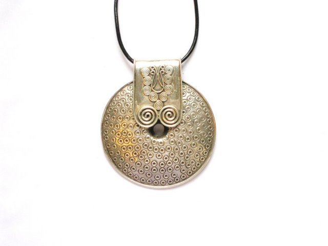 AQ005       Round Sterling Silver Pendant