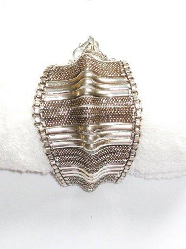AQ035       Bracelet in Sterling Silver