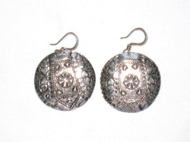 AQ051       Earrings in Sterling Silver