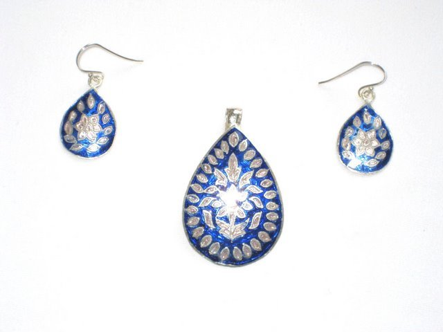 MN176       Enameled Pendant and Earrings Set in Sterling Silver