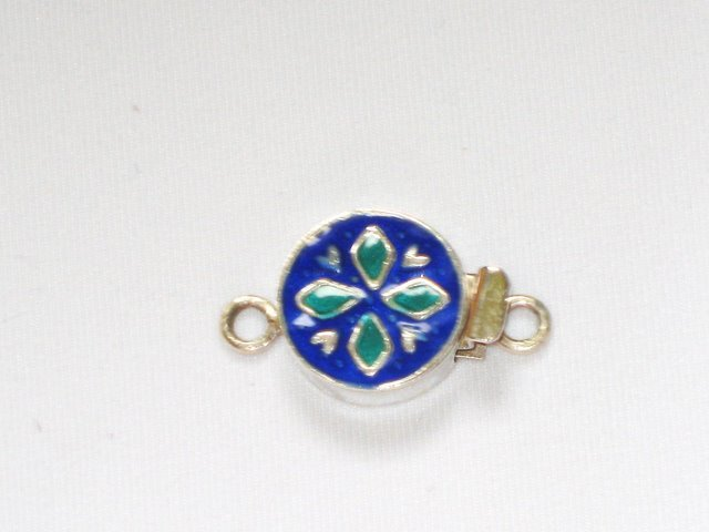 MN232       Enameled Pendant in Sterling Silver