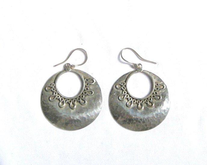 AQ068     Earrings in Sterling Silver