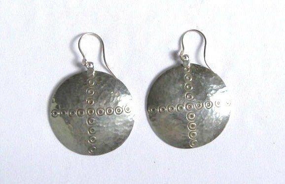 AQ069     Earrings in Sterling Silver