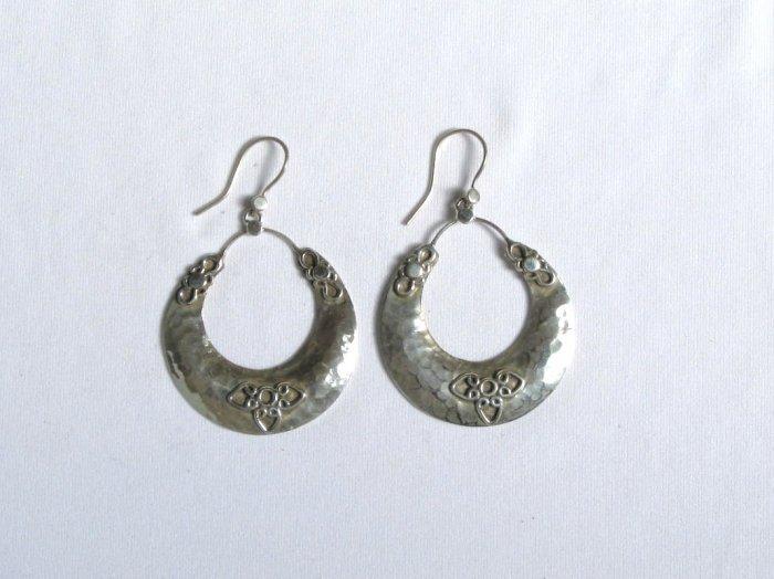 AQ070     Earrings in Sterling Silver