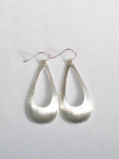 AQ093    Earrrings in Sterling Silver