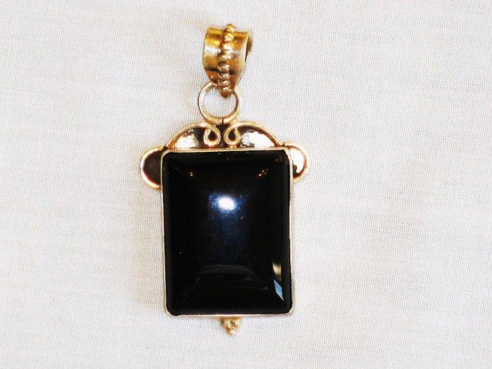PN345 Onyx Pendant in Sterling Silver