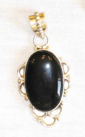 PN350 Onyx Pendant in Sterling Silver