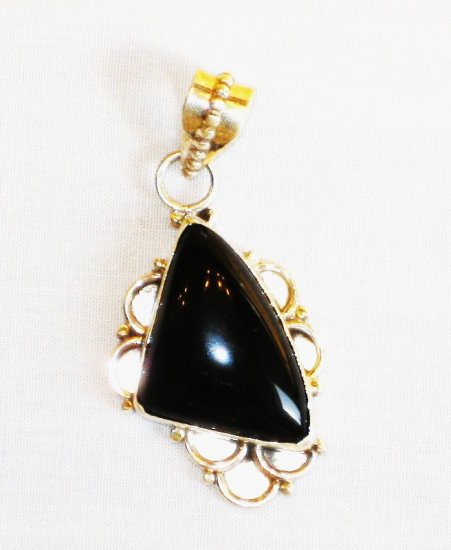 PN357 Onyx Pendant in Sterling Silver