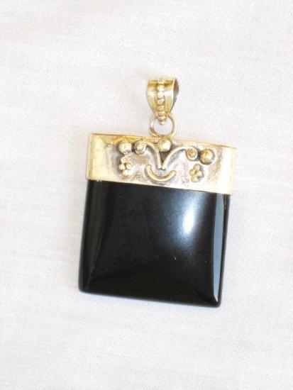 PN372 Onyx Pendant in Sterling Silver