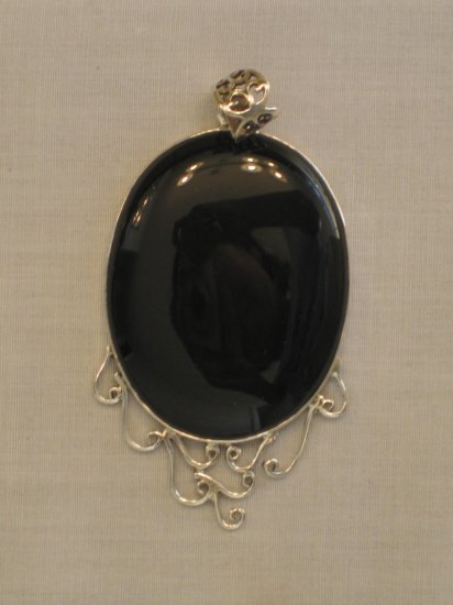 PN404 Onyx Pendant in Sterling Silver