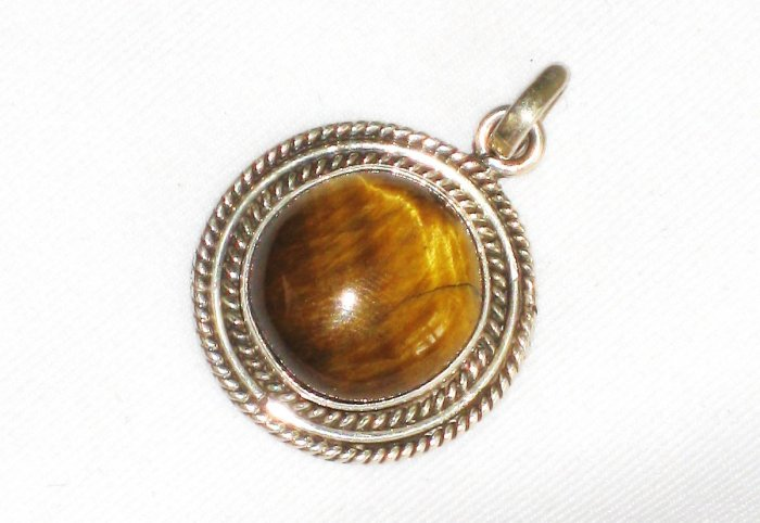 ST633 Tiger's Eye Pendant in Sterling Silver