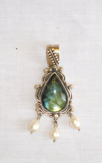 PN439 Labradorite Pendant in Sterling Silver - SOLD